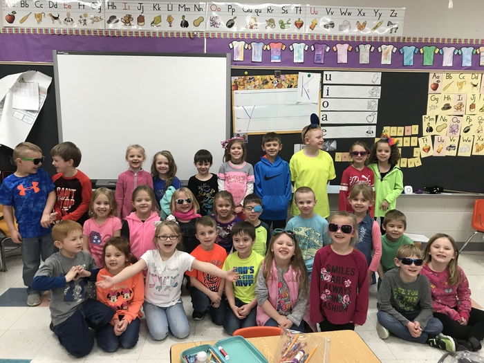 Kindergarten students wearing neon colors for Right to Read week