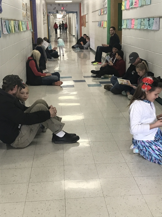 Love to see the hallway full of readers!!